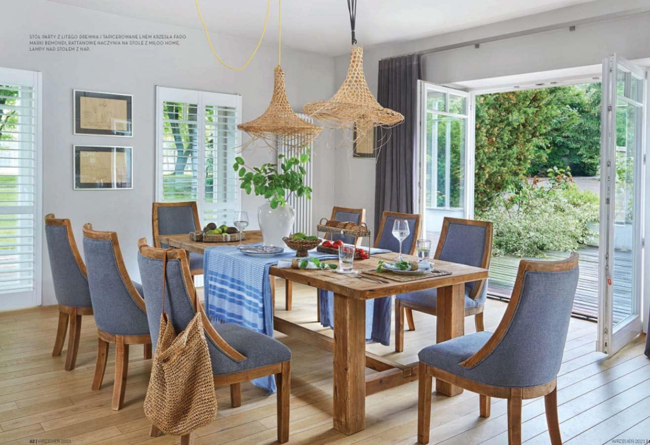 Stół_drewniany_krzesło_tapicerowane